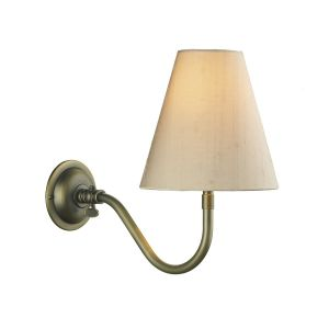 Elegant 1 Light Wall Light In Antique Brass With Shade